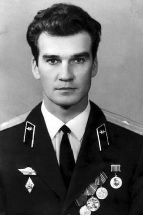 stanislav-petrov-giovane